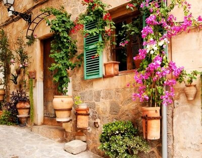 Фотообои Красивый старинный дом в Испании