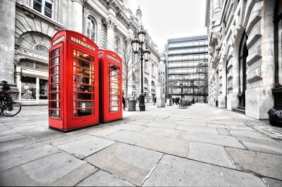 Фотообои красные телефонные будки в Англии