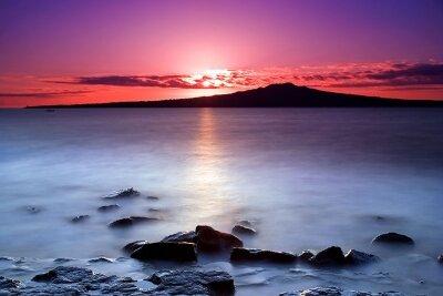 Фотообои Розовый закат над морем