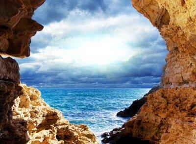 Фотообои вид на море с грота