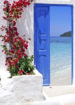 Фотообои открытая дверь на море