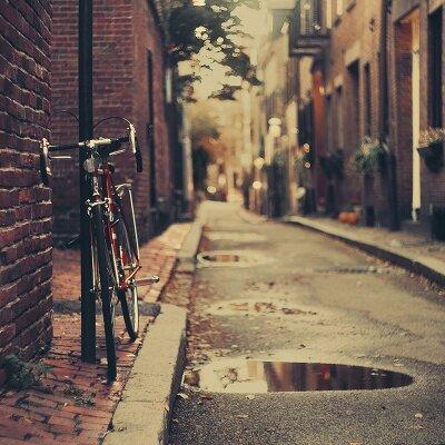 Винтажные фотообои Велосипед на улице