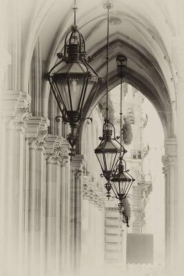 Винтажные фотообои Фонари дворца