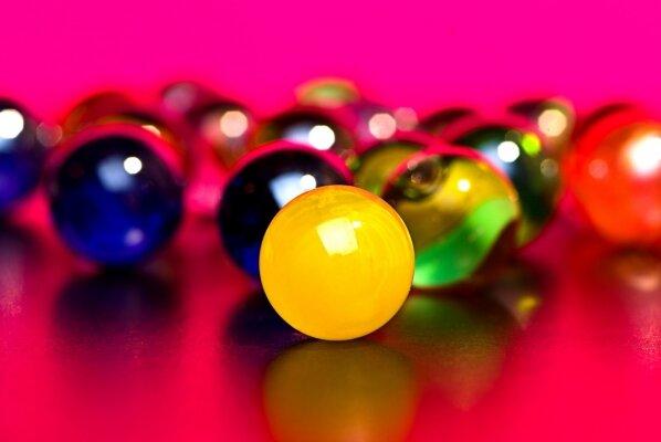 Фотообои Разноцветные стеклянные шарики