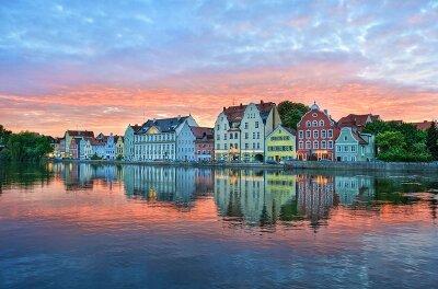Фотообои Отражение города в реке