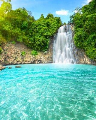 Фотообои Водопад над озером