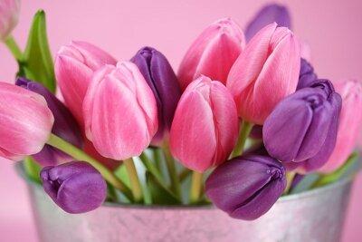 Фотообои для спальни Букет тюльпанов
