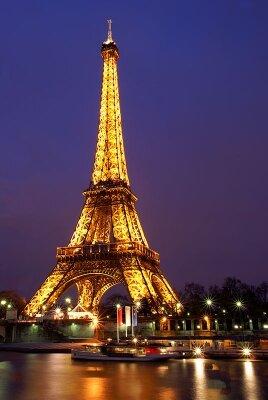 Фотообои для спальни Эйфелева башня ночью