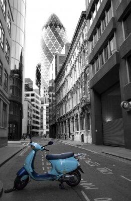 Фотообои в прихожую Мотоцикл в Лондоне