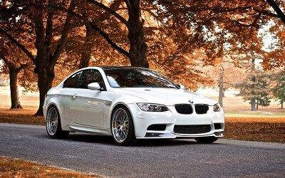 Фотообои Белое BMW