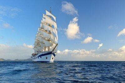Фотообои Белый корабль