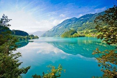 Озеро у подножья