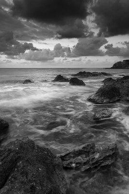 Черно-белые фотообои Шторм