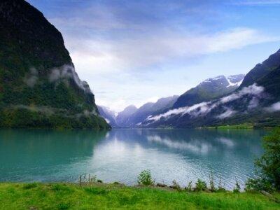 Фотообои с природой Большое озеро в Норвегии