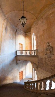 Интерьеры лестница вниз